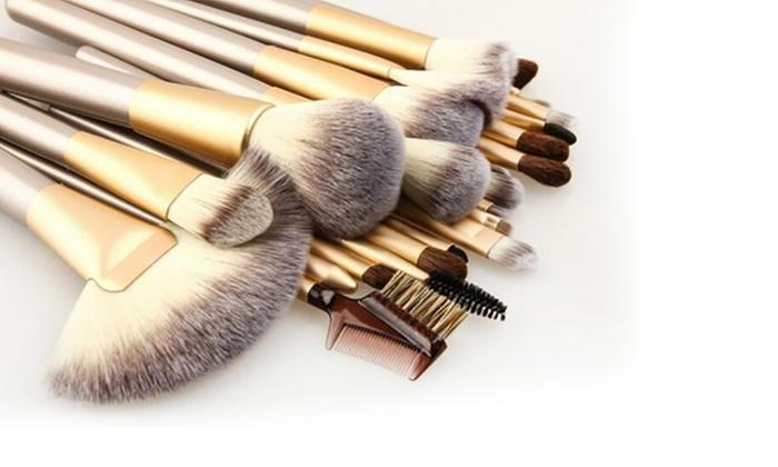 champagne coloured makeup brushes